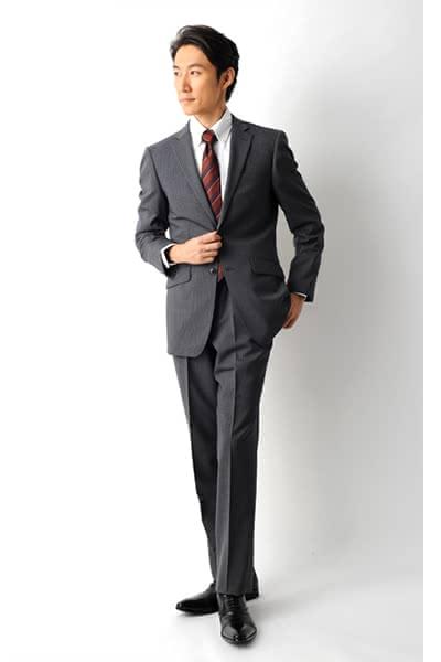 入社式 スーツ 着こなし