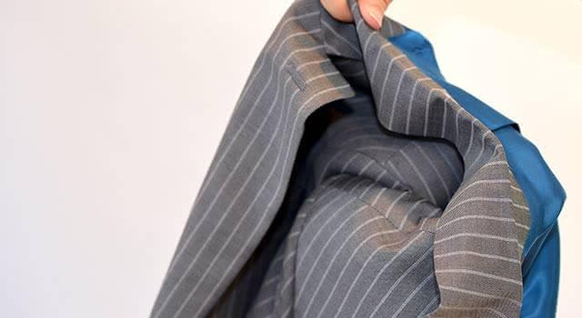 スーツ たたみ方