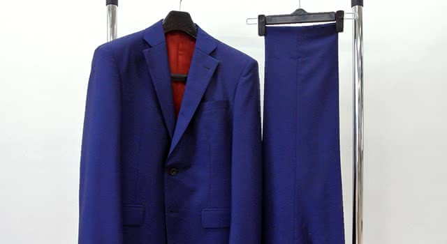 スーツ 収納
