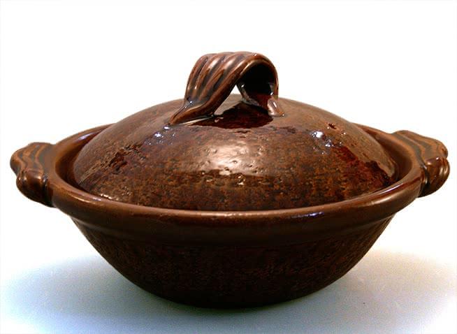 飴釉蓋木ノ葉(雲井窯)の写真