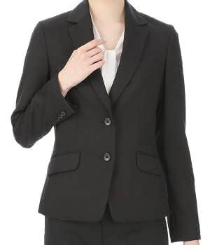 黒のスーツの画像